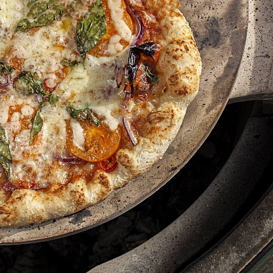 Big Green Egg Pizza / Baking Stone