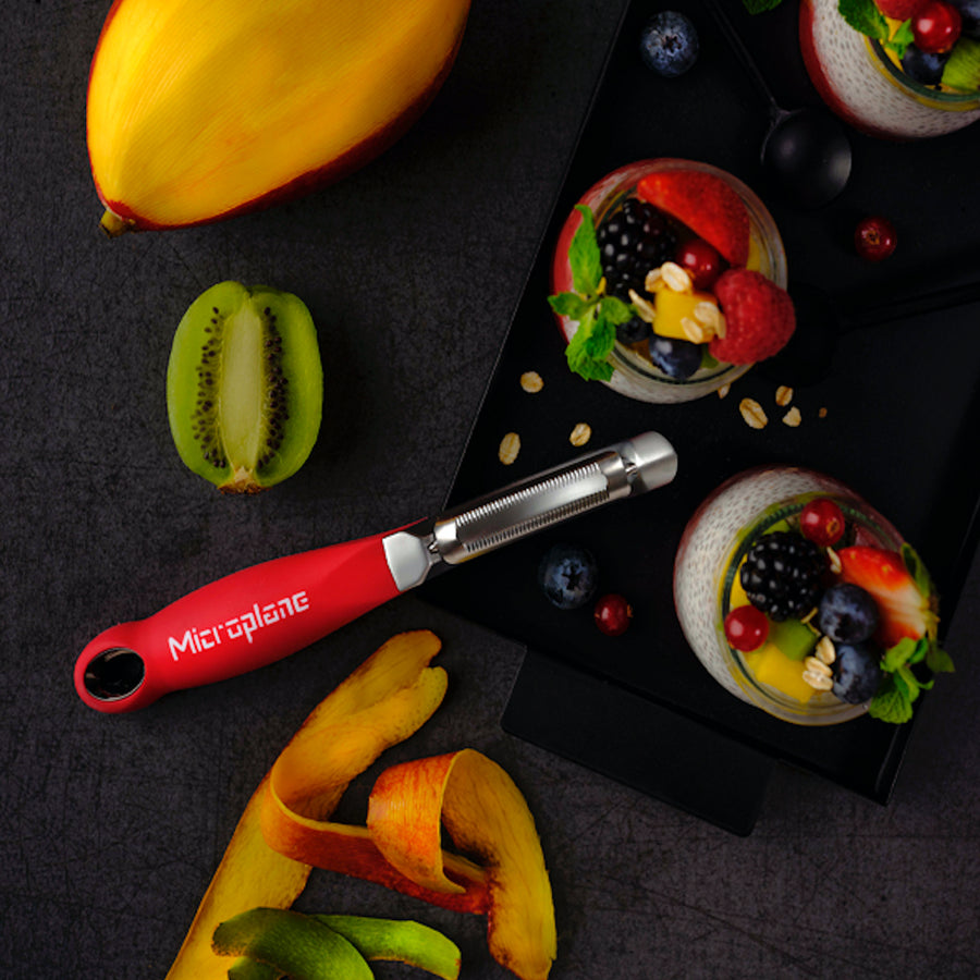 Microplane Professional Serrated Peeler