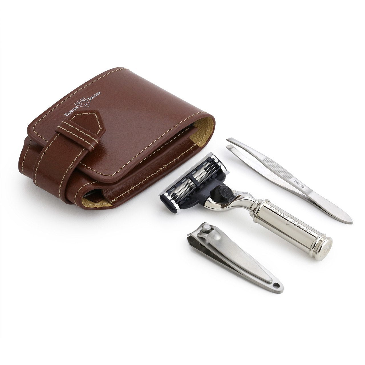 Edwin Jagger Travel set, Mach3 razor, fingernail clippers and tweezers in a brown leather case