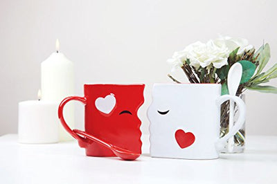 Kissing Mugs Set