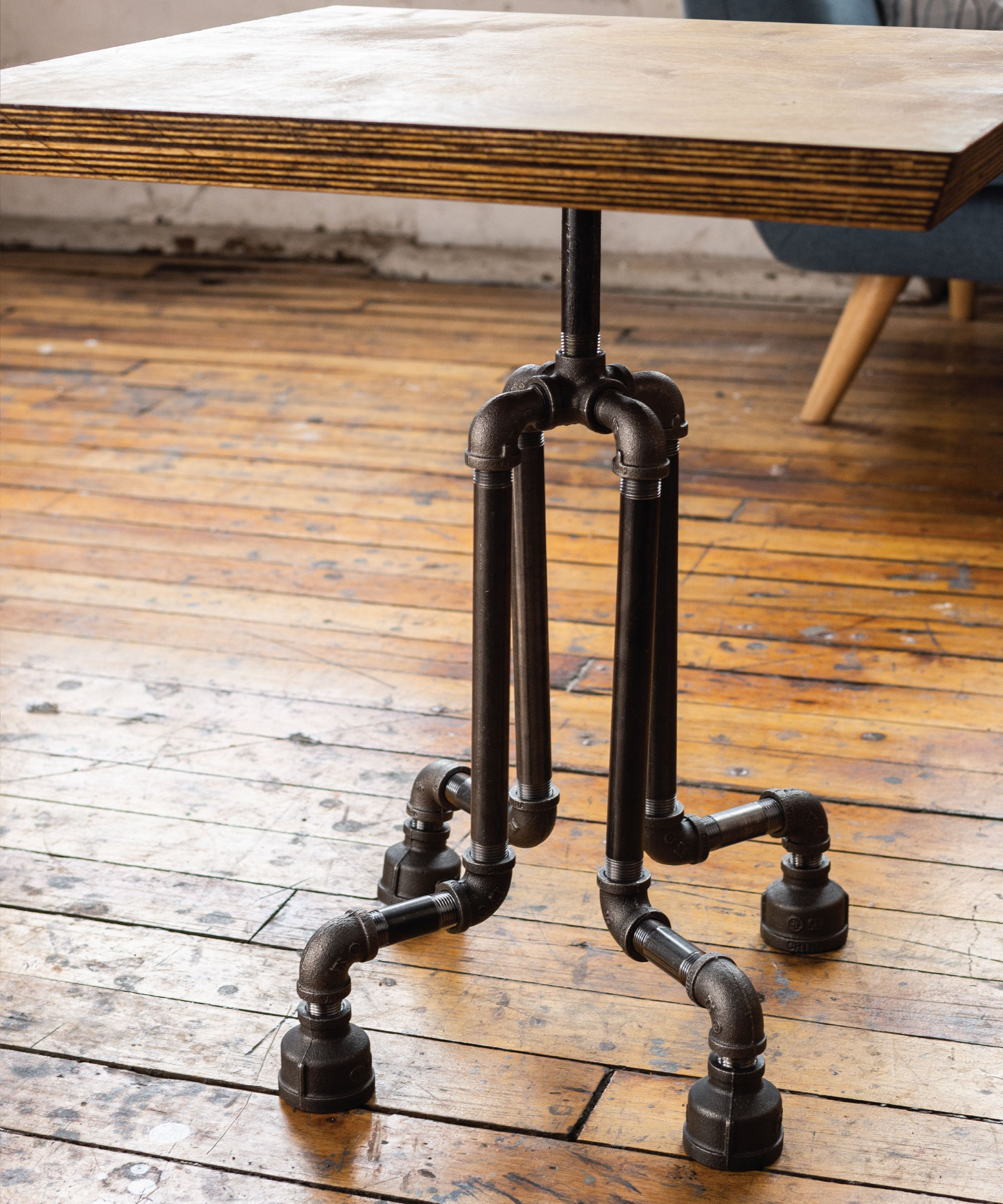 Roots End Table By PIPE DECOR