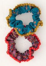 Load image into Gallery viewer, Pompon Scrunchie Set-Multi