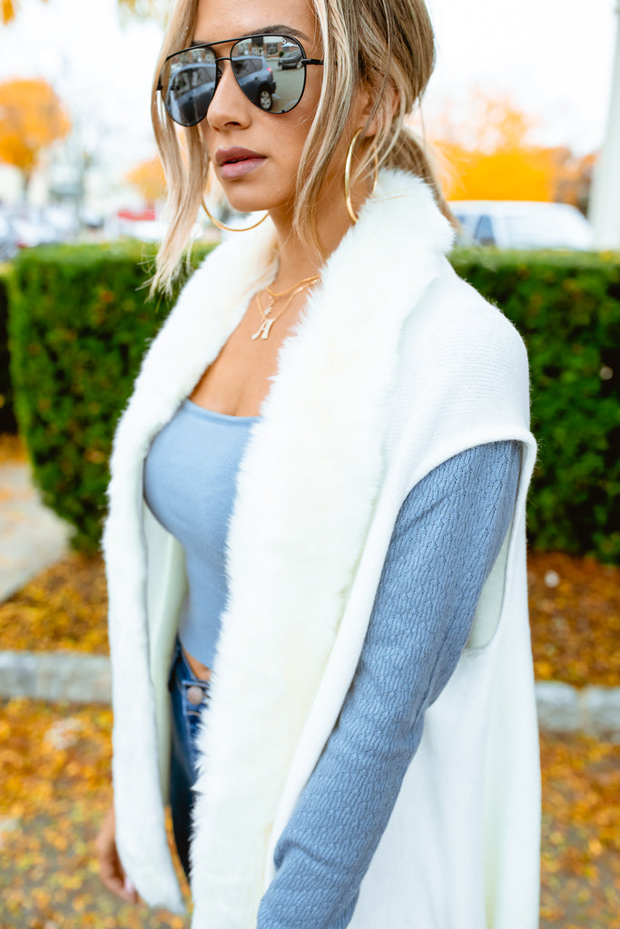 Ivory Faux Fur Collar Sweater Vest