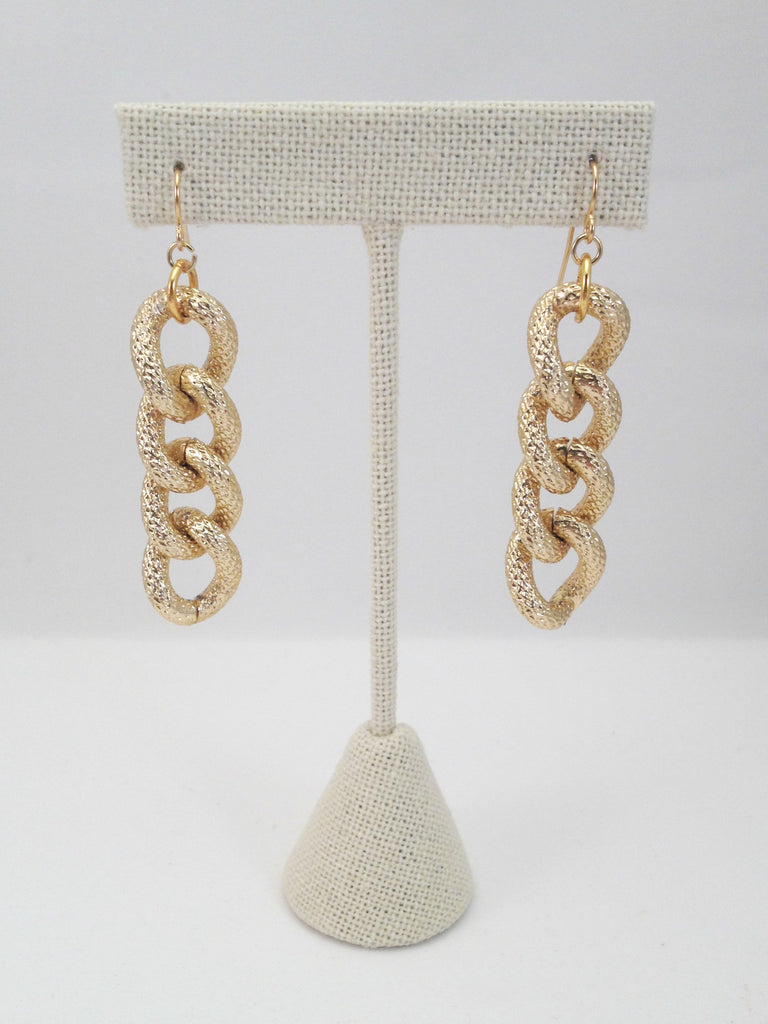 4 chain link earrings, textured