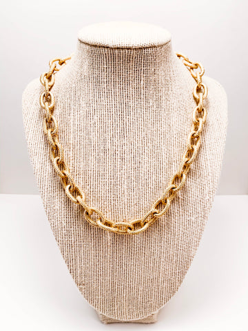 chain loop necklace, textured