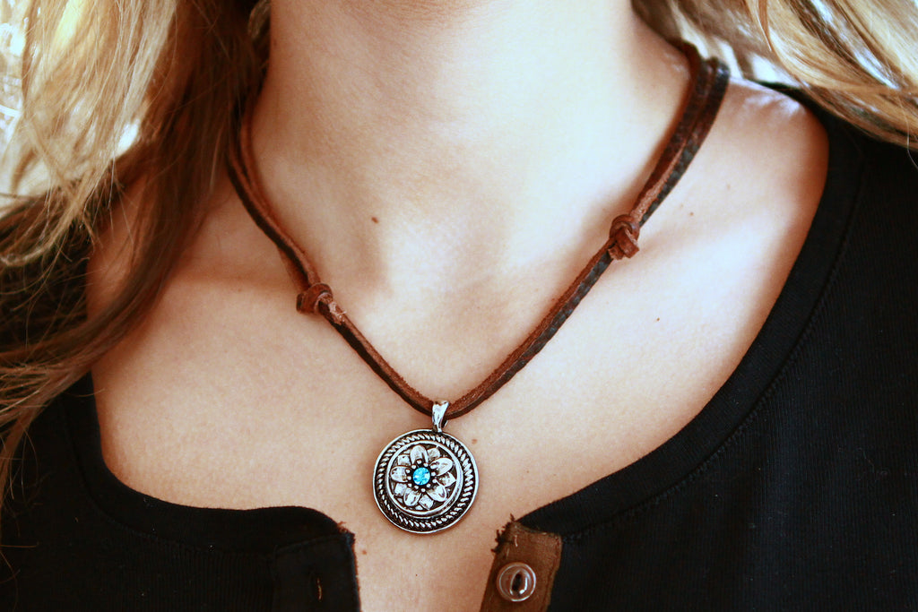 Necklace, Intricate Wide Rope Design Interchangeable Snap Charm Base on Leather Cord (A503)