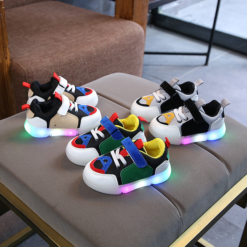 New Kids LED Shoes Girls Boys Light Up Infant Shoes Sneakers LED Shoes Light Shoes Aults Light Up Trainers Toddler LED Shoes Flashing Light Trainers