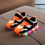 New Children LED Shoes Boys Grils Luminous Sneakers Tenis Led Infantil Kids Shoes with Light Sneakers Glowing Kinder Schuhe Baby Light Up Led Trainer