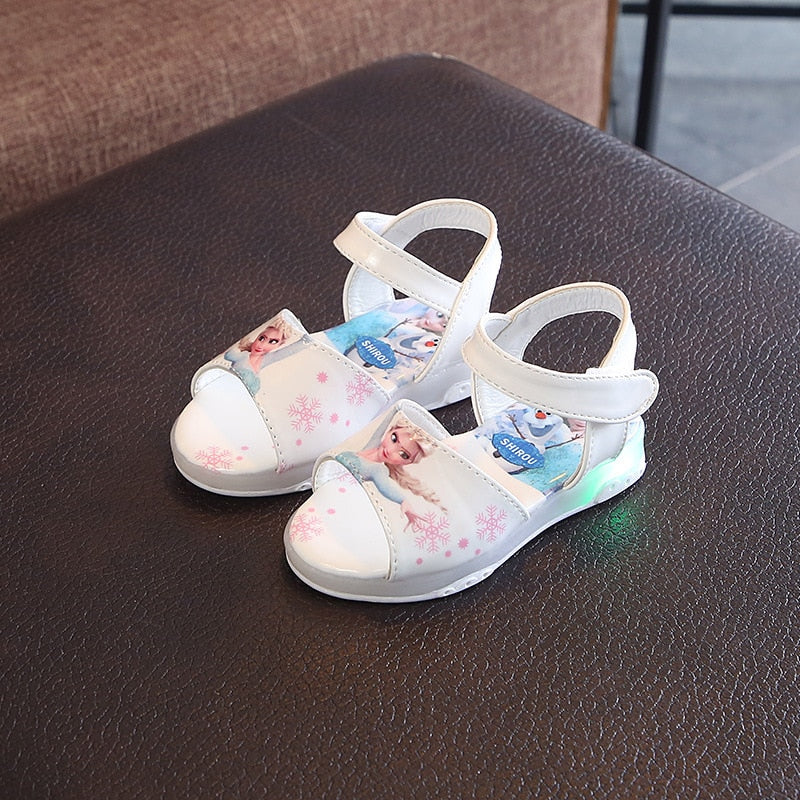 2020 Summer Children's LED Light Children's Shoes Girls Sandals LED Flashing Light Up Girls Shoes Beach Shoes Color Hollow Non-slip Breathable Shoes
