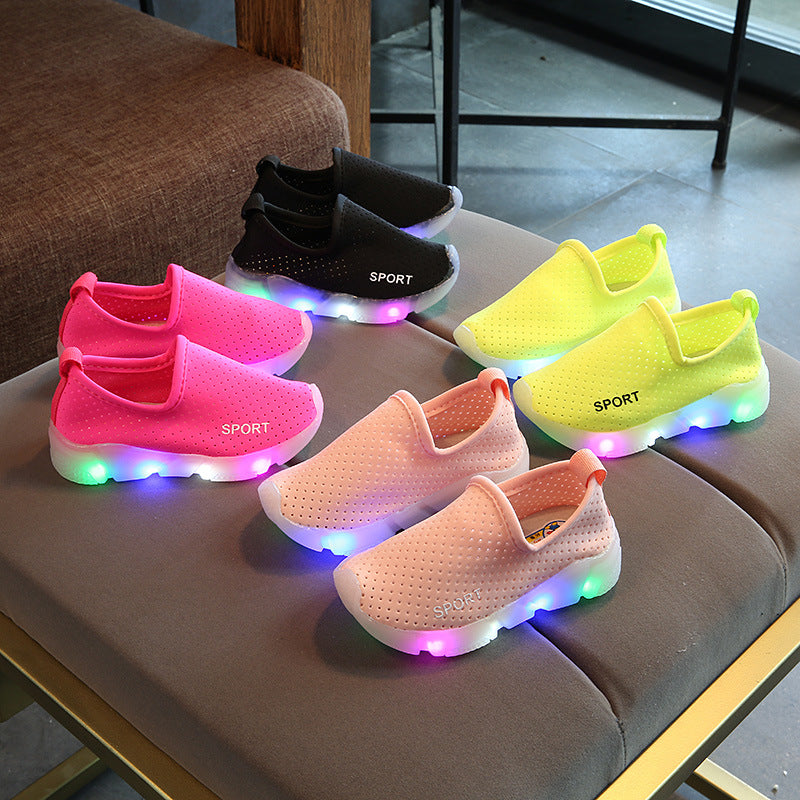 Kids LED Light Up Lanca Cloth Shoes Shoes Boys Girls Flash Light Sports Shoes Baby Infantil Light Led Trainer Luminous Sneakers Lighted Led Trainer