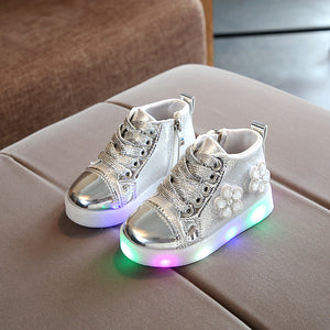 Flower Girls LED Shoes Glowing Sneakers Kids With Lights Girls Luminous Sole LED Bright Shoes Kids Infantil Lighted Shoes Children Light Up Trainers