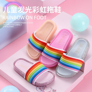 Children's Sandals for Girls Lovely Rainbow Straps Baby Bright Slippers Kid's Summer Outdoor LED Flash Lighted Slipper Princess LED Shoes Luminous