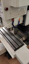 Load image into Gallery viewer, Tabletop 3 axis VMC420 Atc Cnc Milling Machine For Metal