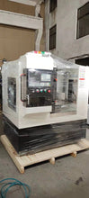 Charger l'image dans la galerie, VMC425 Cnc Milling Machine For Metal With Bt30 Belt Spindle With Automatic Tool Changer