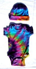 Short Sleeve Tie Dye Infant Baby Onesie With Matching Cap - Pink Rainbow