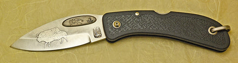 Boye Bow Hunter Lockback Folding Knife with 'Lescaux Bison' Etching.