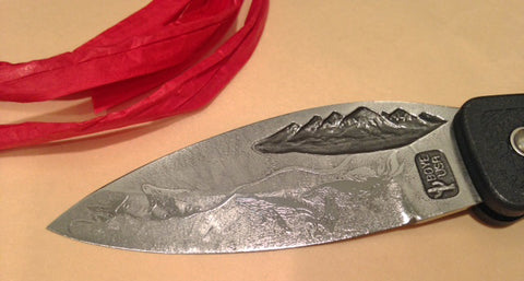 Boye Mountain Lockback Folding Pocket Knife with 'String of Whales' Etching.