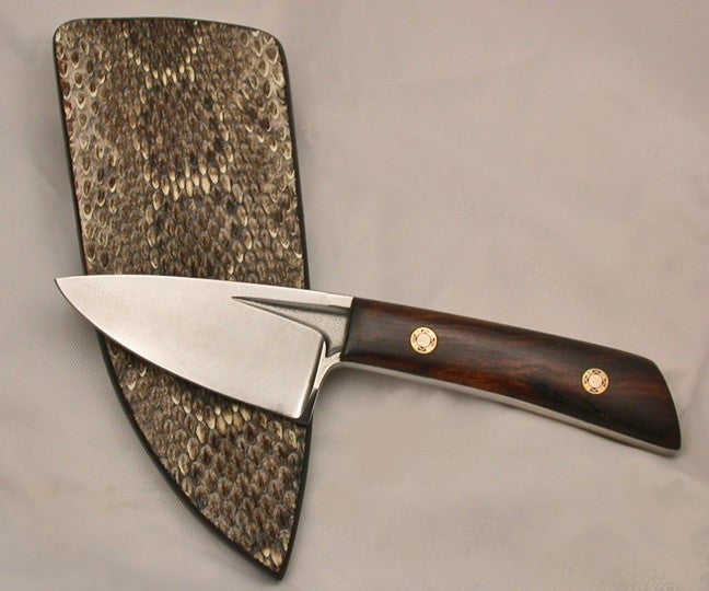 Boye Basic 2 with Handle and Plain Etched Blade.