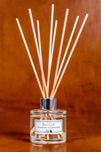 Load image into Gallery viewer, Cranberry & Cinnamon reed diffuser