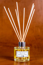 Load image into Gallery viewer, Bergamot & Ginger reed diffuser