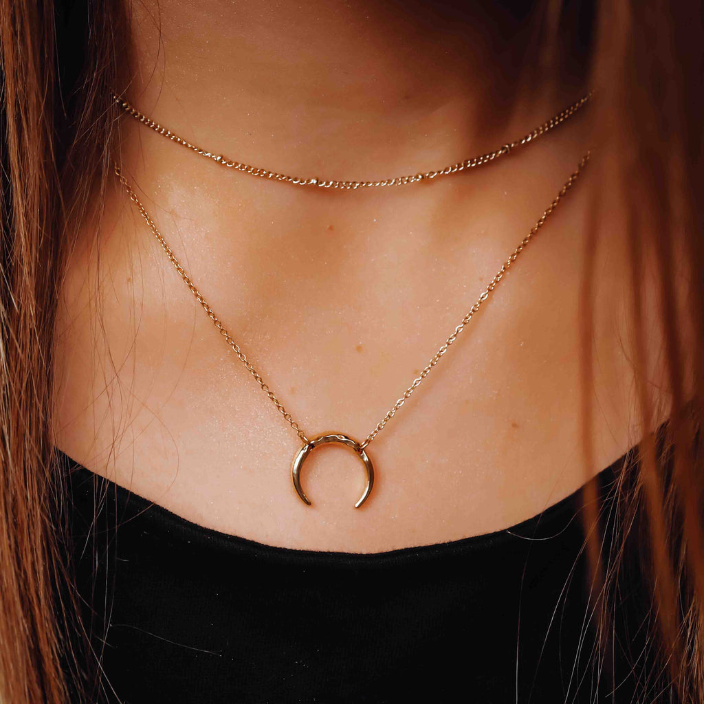 HAMMERED CRESCENT MOON NECKLACE