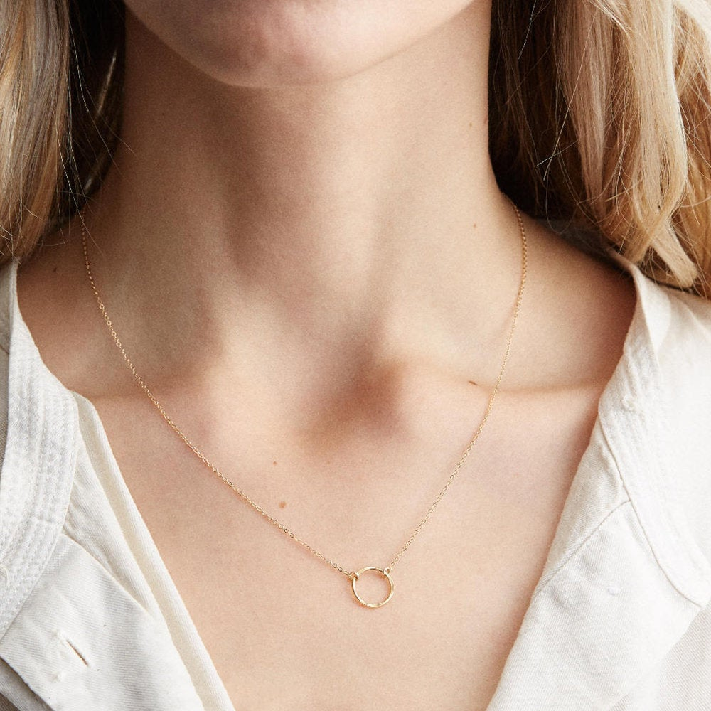 MINIMALIST CIRCLE RING NECKLACE - Ora Gift