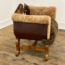 Load image into Gallery viewer, The Snug chair
