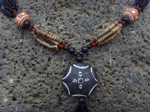 Collier africain - pendentif terre cuite - nect05
