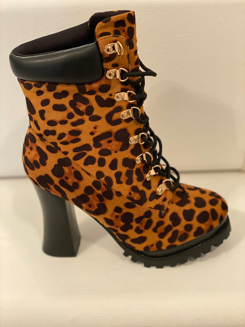 Leopard 🐆 Boots, Darling