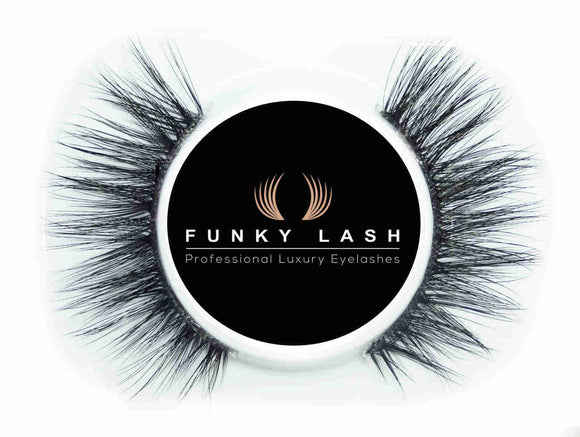 Niomi Strip Lash