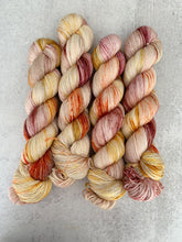 Load image into Gallery viewer, Tea and Oranges BFL Silk Yarn