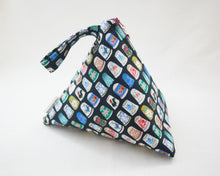 Load image into Gallery viewer, Thimbles Zippered Sock-Sized Project Bag