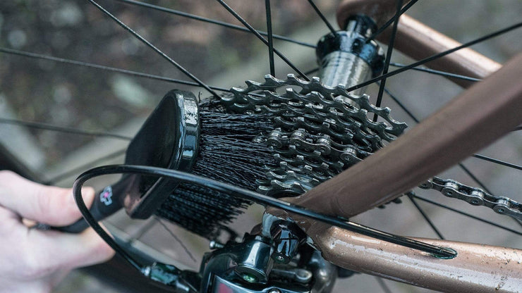 MUC-OFF Accessories TYRE & CASSETTE BRUSH