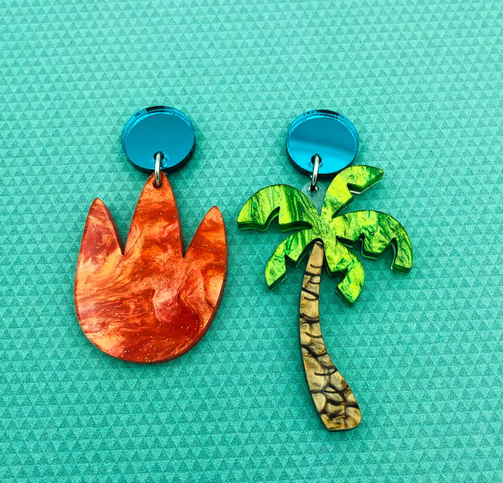 Mismatched footprint and palm tree earrings - BurnBella