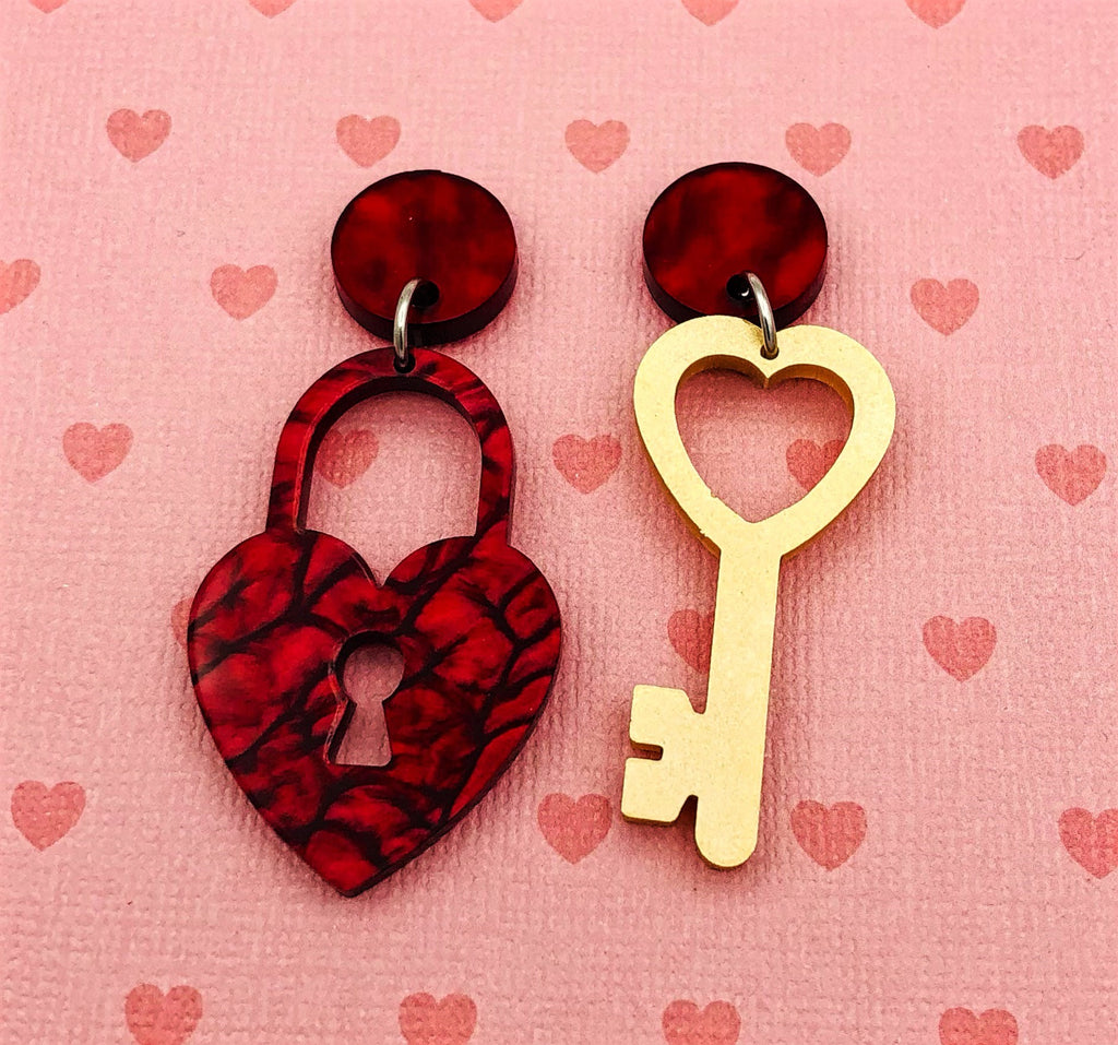 Key to my heart earrings - BurnBella