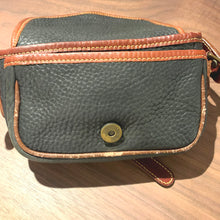 画像をギャラリービューアに読み込む, Timberland/Leather mini shoulder bag/MADE IN England