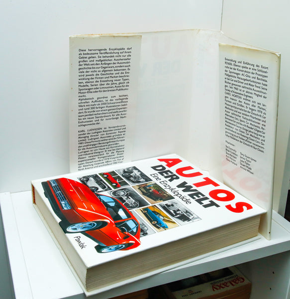 Autos of the World [1990] Motorcar encyclopedia First edition 608 pages 1,000s of photographs German language, no English