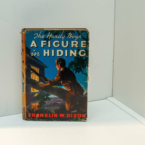 "Hardy Boys #16 ""A Figure in Hiding"" [1948] This is the 1948a-15 printing as per Carpentieri & Mular"