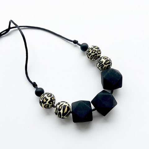 Mama Knows - Teething Necklace - Black Leopard