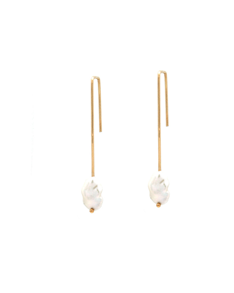 Dame Pearl Earrings