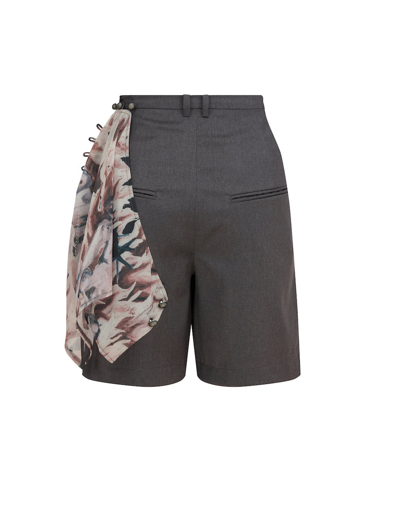 Shorts with Scarf in Grey