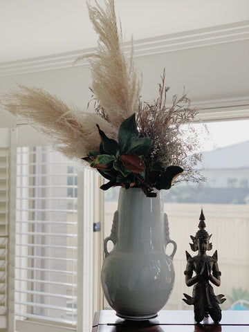 property styling thirroul Bulli Austinmer pampas grass palm leaves dried flowers blog white urn bedroom styling design