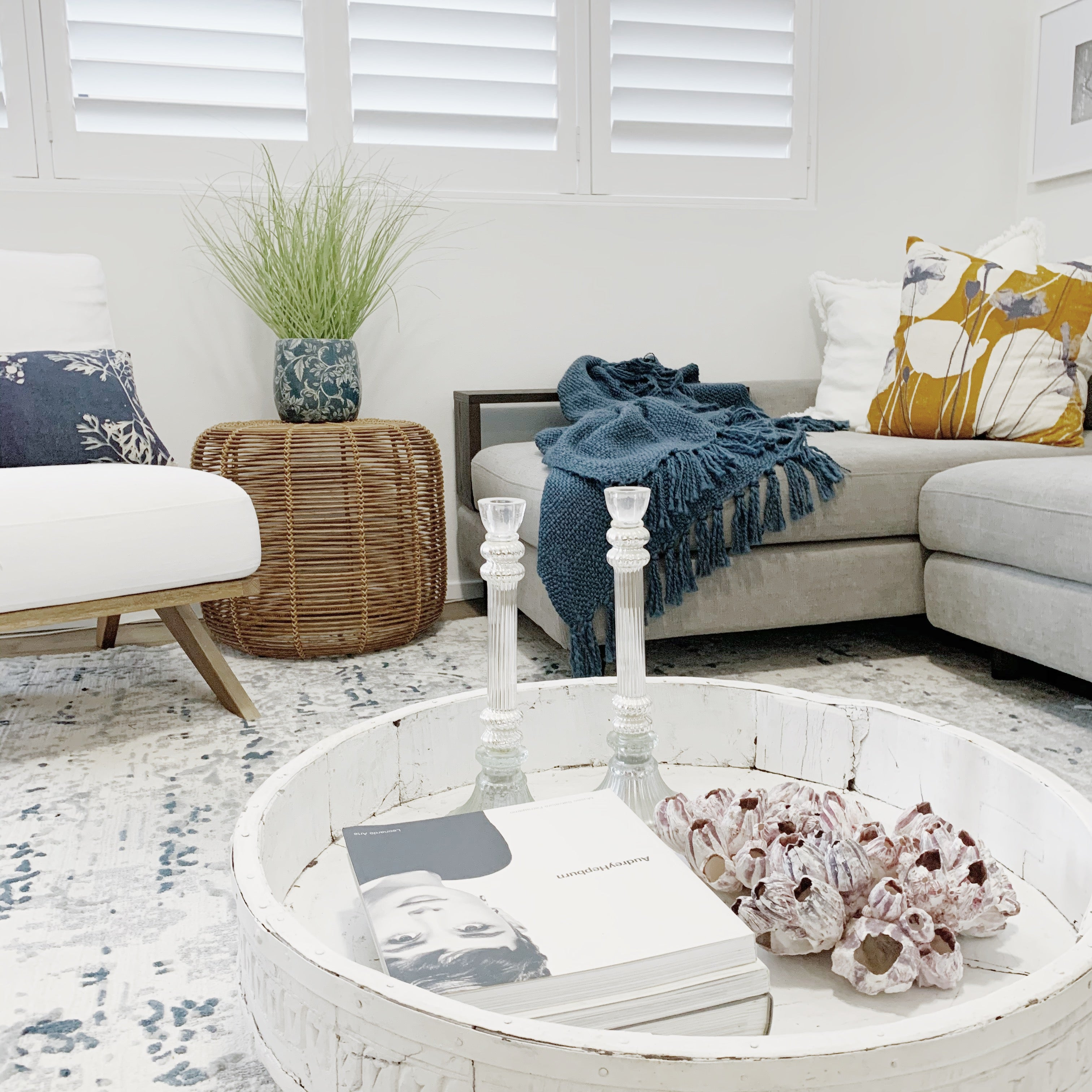 Property styling Illawarra Wollongong Kiama Gerringong Thirroul Bulli Wombarra Austinmer Southern Highlands Berry Bowral Mittagong Shellharbour Flinders Warilla Home staging interior decorating design living room bedroom