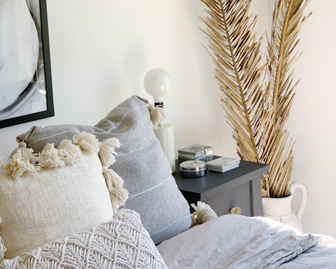 property styling Wollongong Shellharbour palm leaves dried flowers blog white urn bedroom styling design