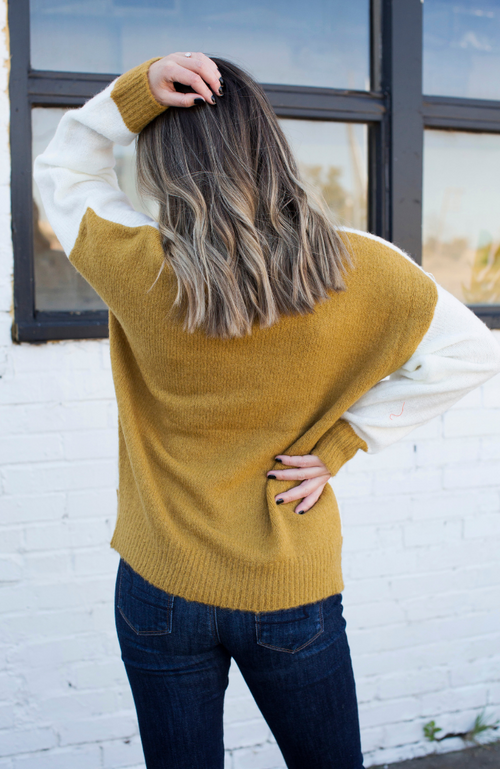 DENVER DUSK MUSTARD COLORBLOCK SWEATER - ShopLawson