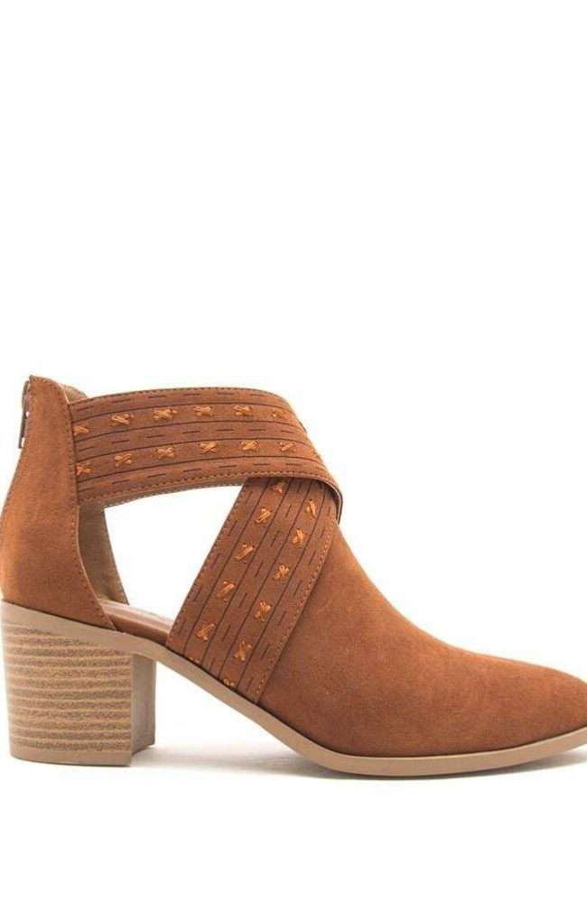 TOPANGA CAMEL SUEDE BOOTIE - ShopLawson