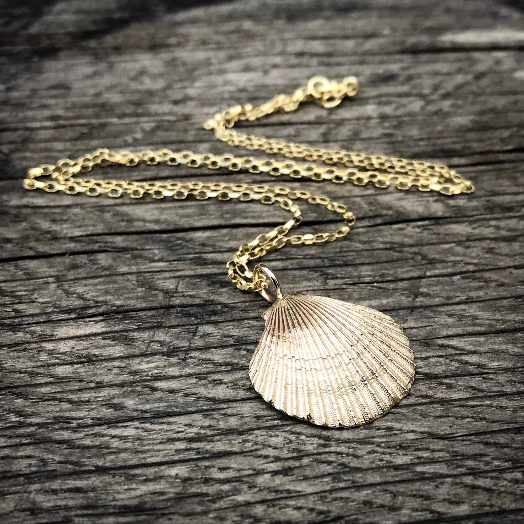 Gold 'Queenie' Scallop Shell Necklace
