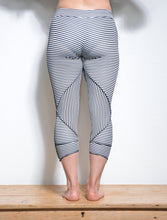 Load image into Gallery viewer, Leggings - Geometric Lycra