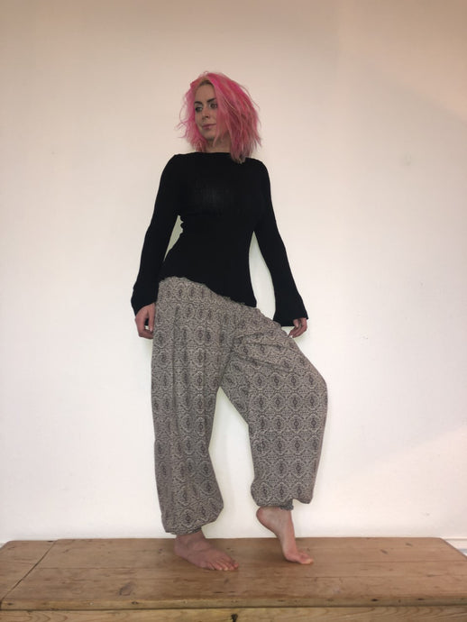 Emma's Emporium ethnic block print genie trousers, yoga loungewear, ethical alternative festival fashion. Block print cotton, made in India with love.
