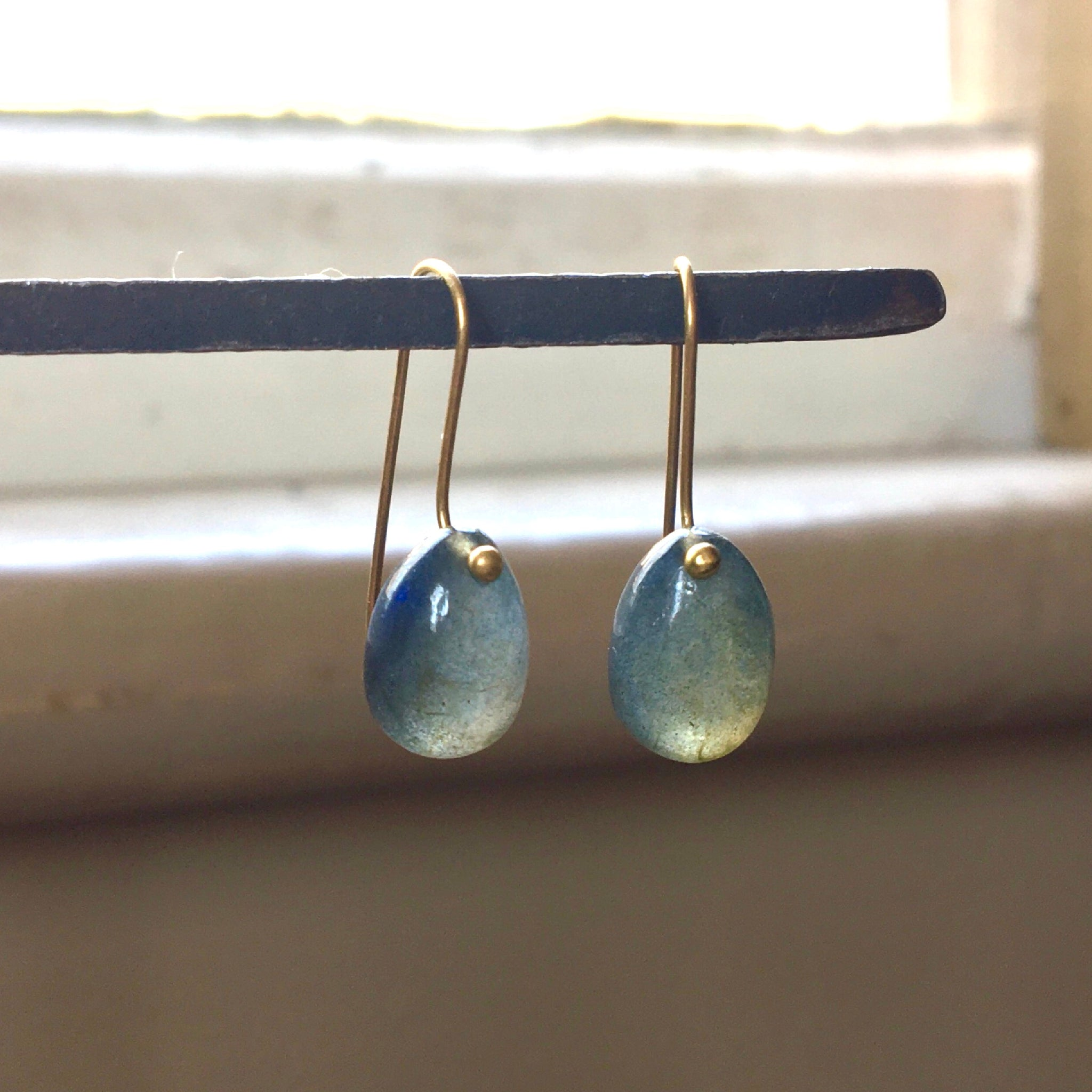 blue flash labradorite egg earrings